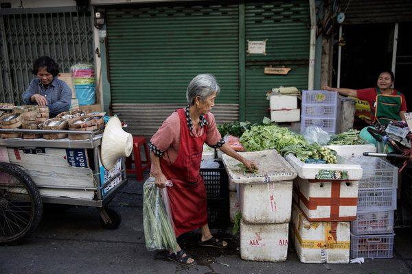 thai-economy-and-spirits-are-sagging-2