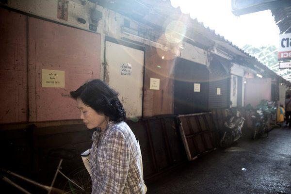 thai-economy-and-spirits-are-sagging-4