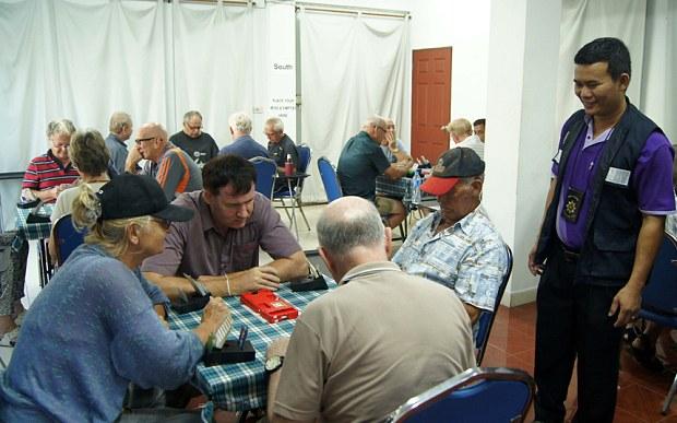 elderly-bridge-enthusiasts-1