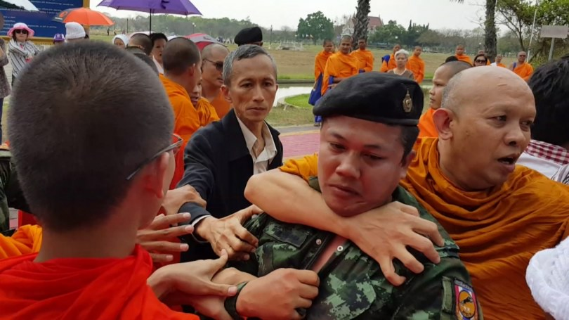 monks-and-soldiers-clash